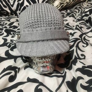 Grey knitted cap/ toque